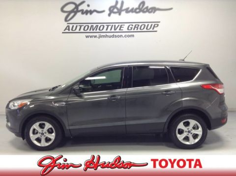 2016 Ford Escape SE w  61k MILES   BACKUP CAM