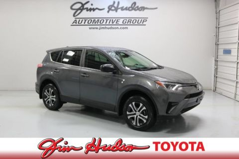2017 Toyota RAV4 LE    ENTUNE  TM  AUDIO PLUS WITH NAVI